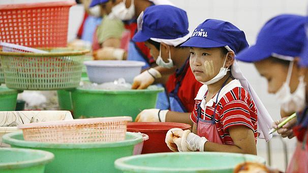 Bimbi schiavi in Thailandia, sotto accusa la Nestlé