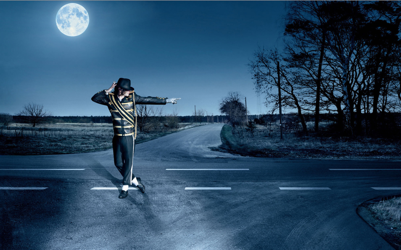 Michael Jackson Dancing on the Road