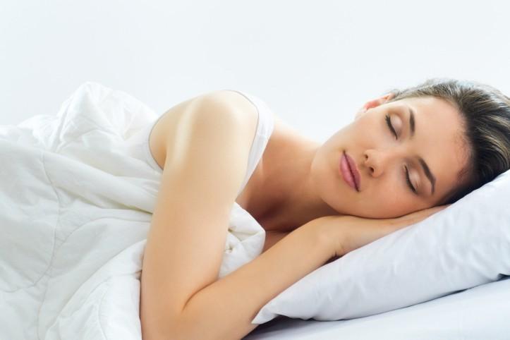 come assumere una postura corretta per dormire bene