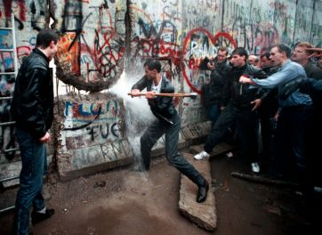 Caduta del Muro di Berlino - Picconate sul muro di Berlino