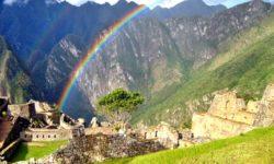 Arcobaleno su Machu Picchu