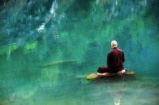 Meditazione sul lago