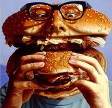 uomo panino che mangia un panino