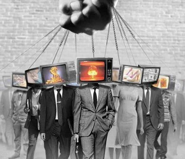 Risultati immagini per il potere dei media immagini