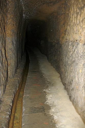 Uno dei Bottini nel sottosuolo di Siena
