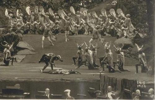 uno-dei-rituali-sacrificali-che-si-svolgono-al-bohemian-grove
