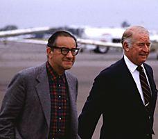 Ecco nel 1984 arrivare al Bohemian Grove anche Alan Greenspan, per molti decenni governatore della Federal Reserve bank: foto Kerry Richardson