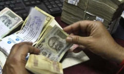 India elimina il contante