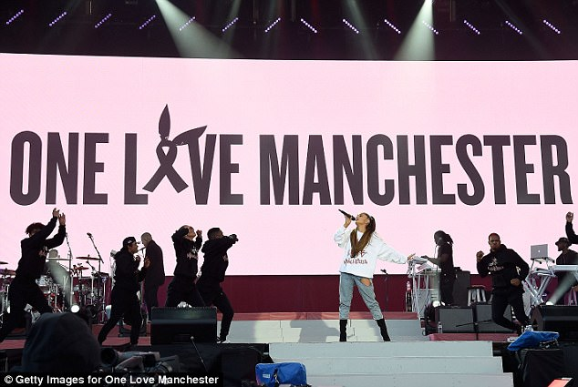 ariana grande bravely returned to the stage for her one live manchester