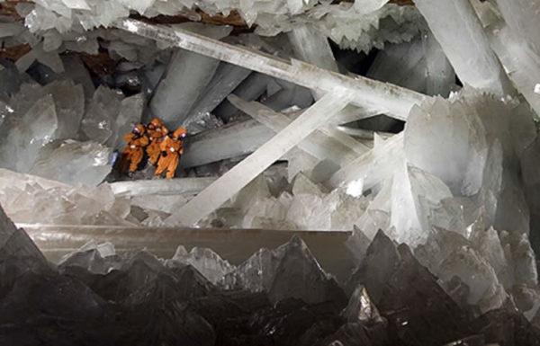 Grotta dei cristalli di selenite