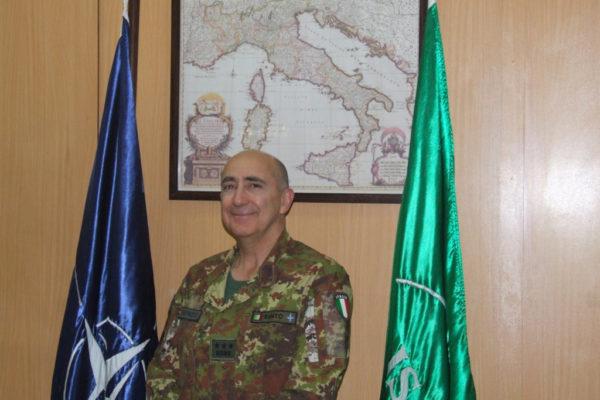 """Immigrazione, il generale Vincenzo Santo a Libero: """"Ecco come bloccare gli sbarchi con l'esercito in pochi giorni"""""""