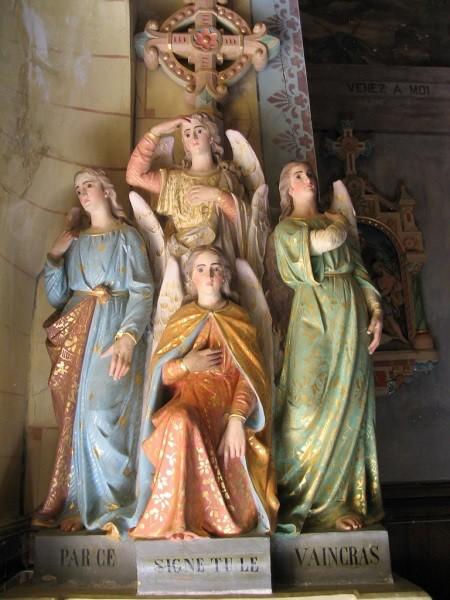 Acquasantiera – Rennes le Château: la croce sopra Asmodeo