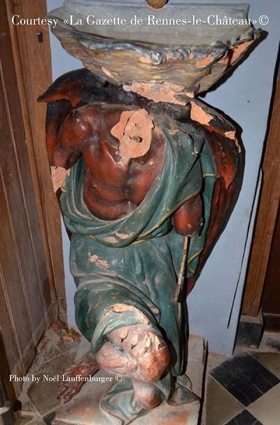 Statua di Asmodeo vandalizzato nell'aprile 2017 - Rennes le Château