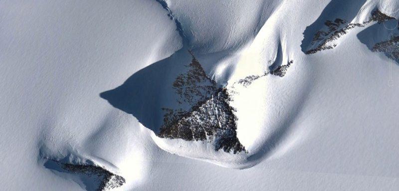 antartide-sotto-i-suoi-ghiacci