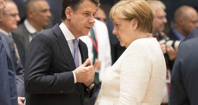 La riforma del MES, il Fondo salva-stati d'Europa, divide la stessa maggioranza di governo e vede nel premier Giuseppe Conte praticamente l'unico strenuo difensore in Italia. Ecco perché non può negare il suo assenso a Francia e Germania.