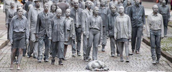 http://contropiano.org/img/2018/05/poveri-come-zombie-720x300.jpg