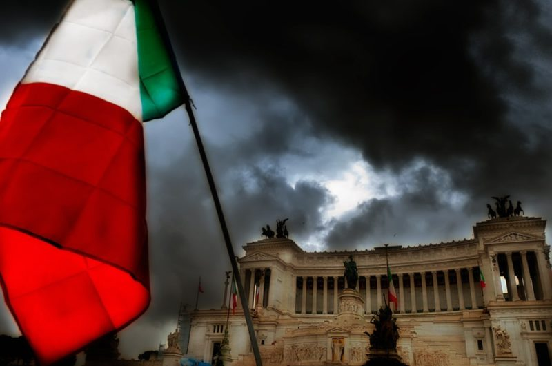 https://www.riparteilfuturo.it/assets/articles/images/crisi-italia.jpg