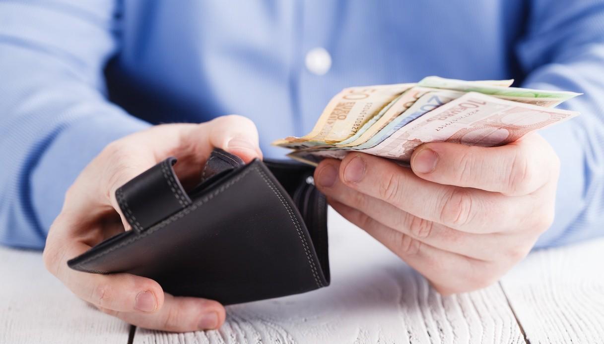 Risultato immagini per pagare in contanti