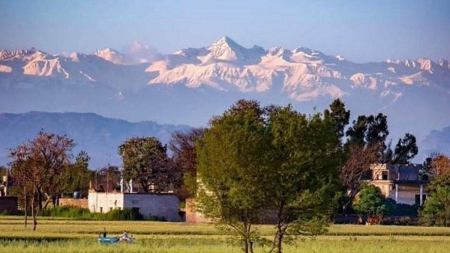Si riesce a vedere l'Himalaya per la prima volta dopo 30 anni ...