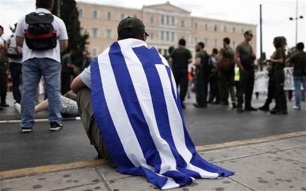 """Atene dice addio alla Troika. Ma la """"cura"""" ha lasciato la Grecia a ..."""