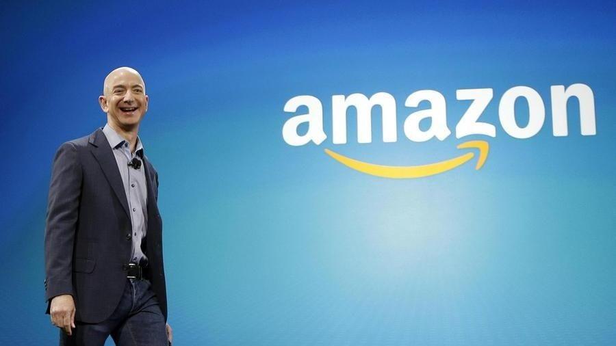 Amazon: crollano gli utili, Jeff Bezos non è più l'uomo più ricco ...