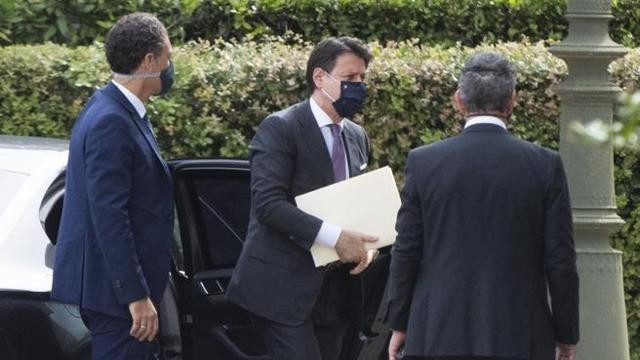 Stati Generali, l'ingresso di Conte e dei Ministri in auto a Villa Pamphili