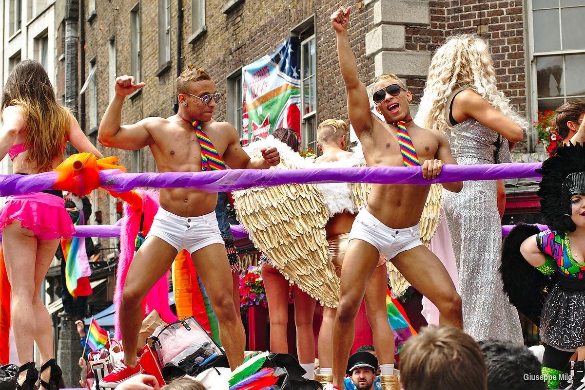 File:Dublin gay pride 2013 (9172218799).jpg - Wikivoyage, guida ...