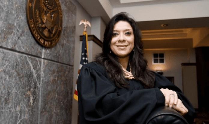 Il figlio di un giudice federale è stato ucciso a colpi di arma da ...