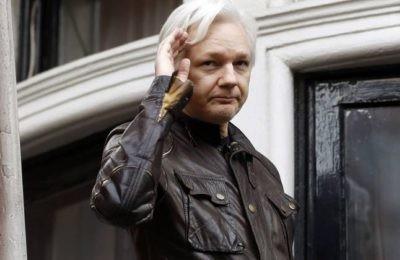 """La persecuzione di Assange ed i giornalisti comprati"""" – AmbienteWeb"""