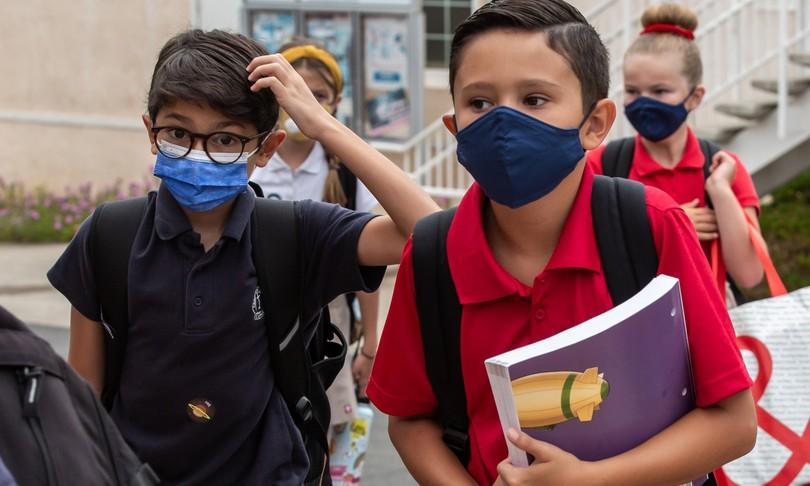 """I pediatri: """"Non sottovalutate i bambini, sapranno usare la mascherina anche a scuola"""""""