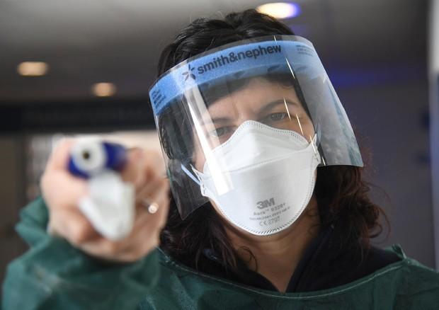 Coronavirus, Mattarella, serve unità di intenti. Primo morto a Roma - Sanità - ANSA.it