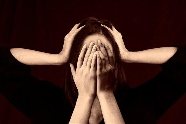 Inconsapevolezza, negazione e anosognosia: come aiutare la persona con demenza - Novilunio Novilunio
