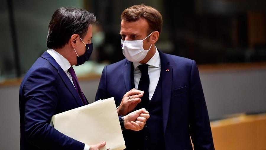 All'Italia 200 miliardi. Conte pronto a sganciare il Mes, ma il Pd lo vuole attivare - La Stampa