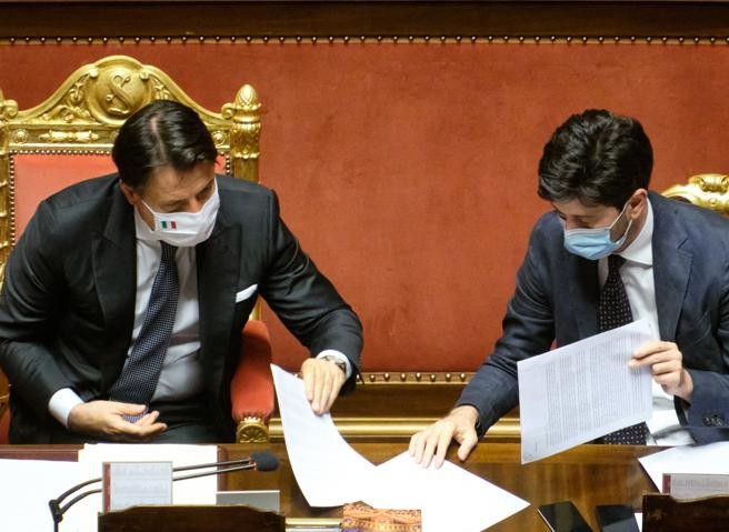 Coronavirus, il governo proroga lo stato di emergenza fino a gennaio 2021. Speranza: «Altri 8 mesi con il coltello tra i denti» - Corriere.it