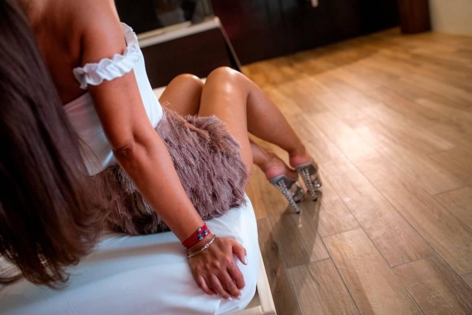 Alberghi e case dei clienti ora off limits per le prostitute