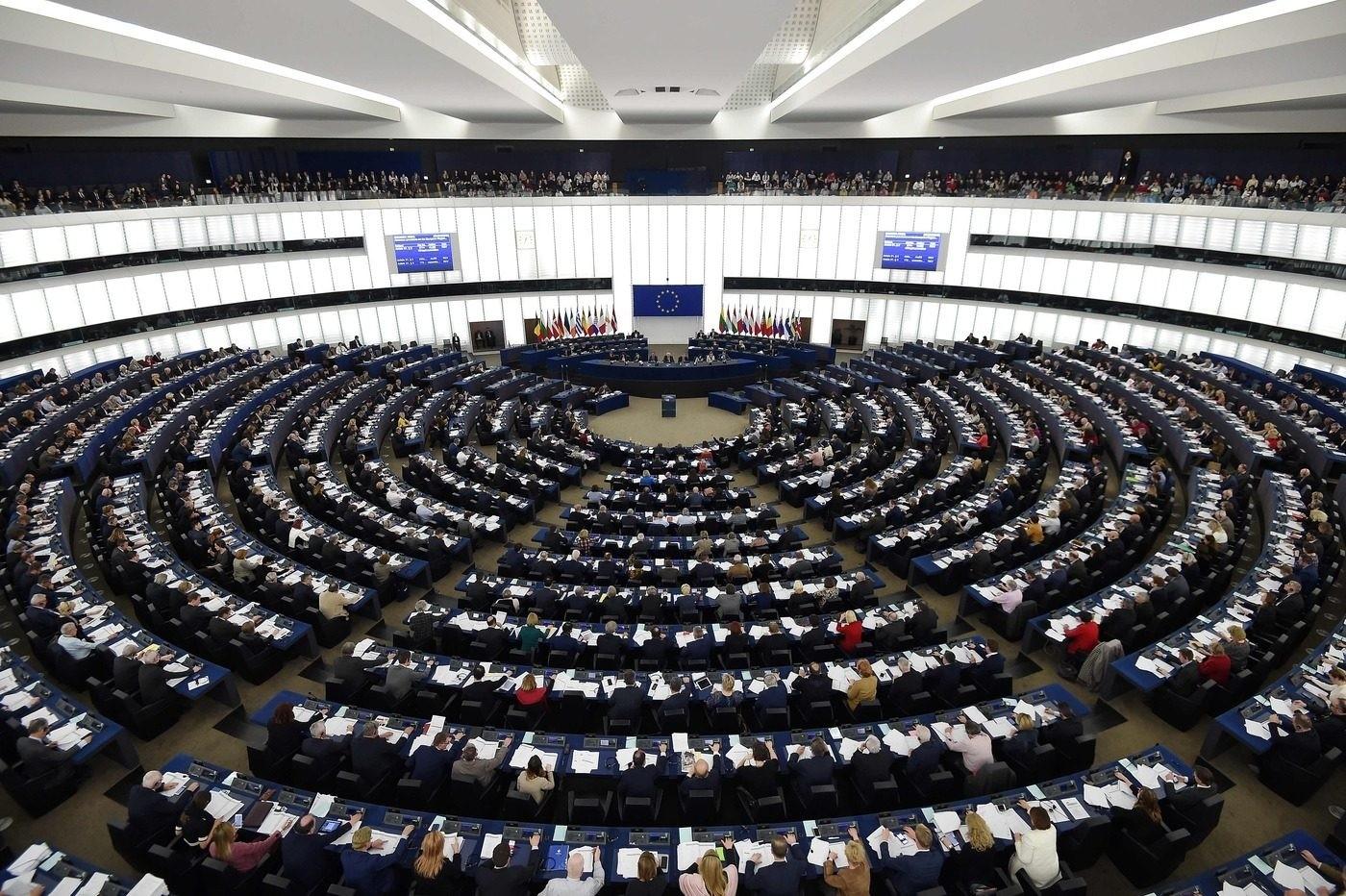Approvata risoluzione Parlamento europeo: restrizioni da mantenere nell'alveo dello Stato di diritto - Terra Nuova