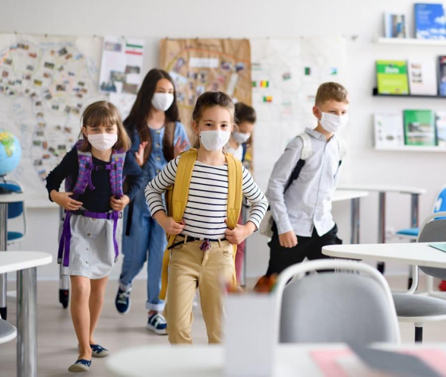 Bambini e mascherine a scuola, quelle in uso sono a norma o no? - Nostrofiglio.it