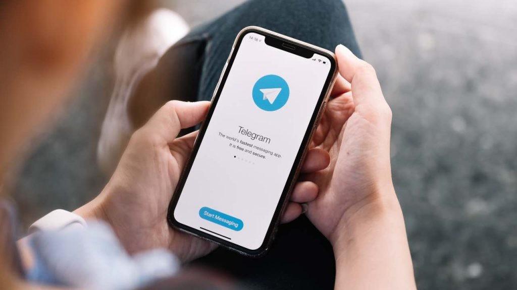 """Telegram con pubblicità nel 2021: """"Servono soldi per sopravvivere"""""""