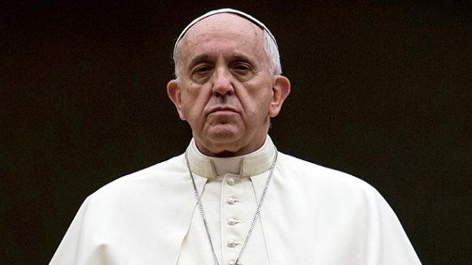 Bergoglio scomunica chi difende Gesù Cristo e il Vangelo. Su chi lo oltraggia, tace - Samuel Colombo