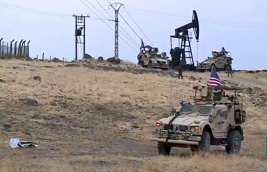Risultato immagini per furto di petrolio alla Siria