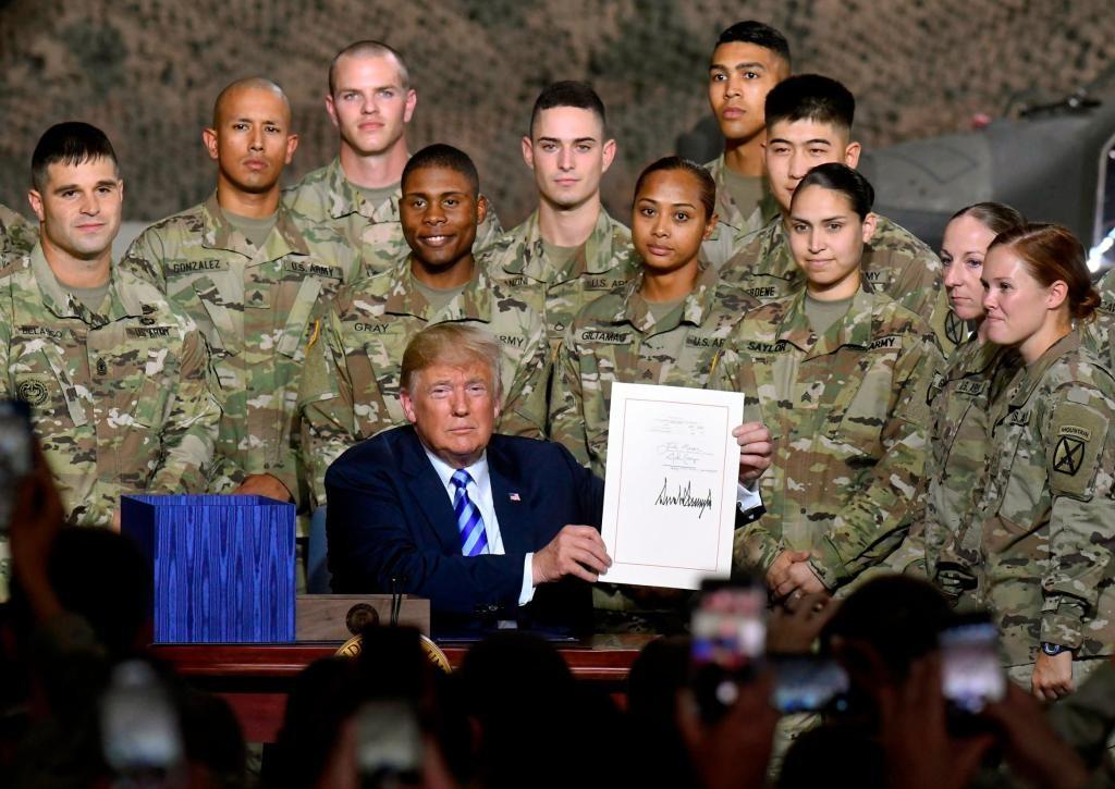 Risultato immagini per forze armate con trump