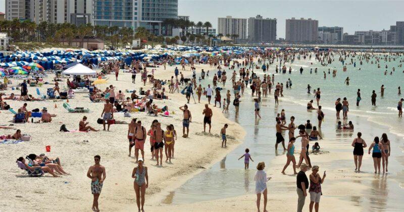 https://media3.s-nbcnews.com/j/newscms/2020_12/1549645/clearwater-beach-florida-coronavirus-today-main-200318_c07f2d5fe3607a11472bd56df1299ae8.social_share_1200x630_center.jpg