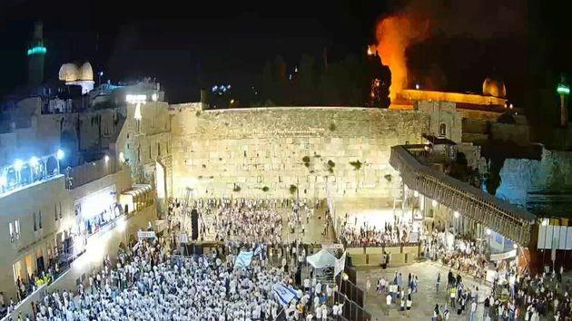 Gerusalemme, polveriera esplosa. In fiamme la Spianata delle Moschee | L'HuffPost